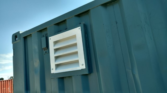 shipping container side vent