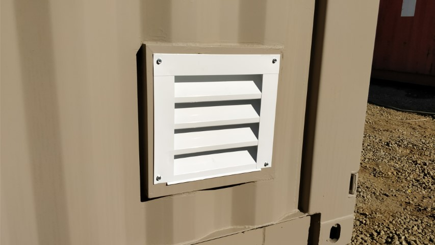 Louvered Vent for shipping containers