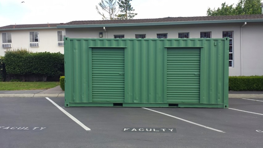 20' Storage container with 2 roll up doors for sale