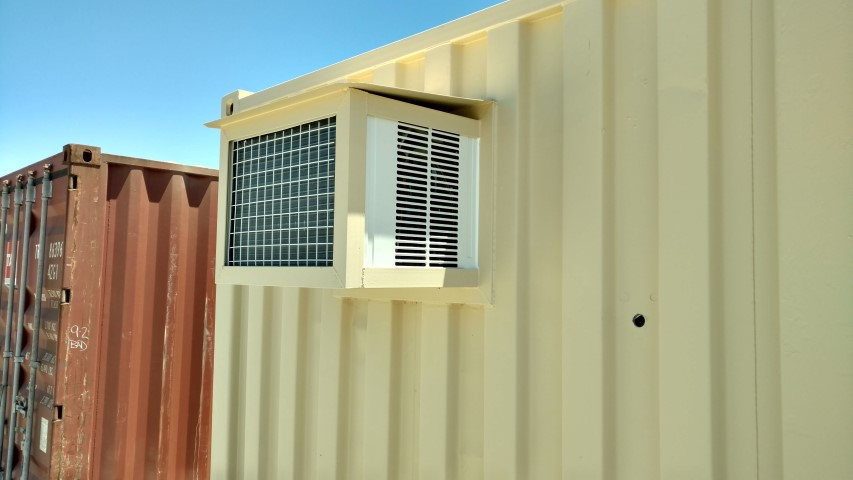 air conditioner with heat on shipping container