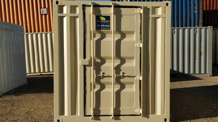 Single Cargo Door