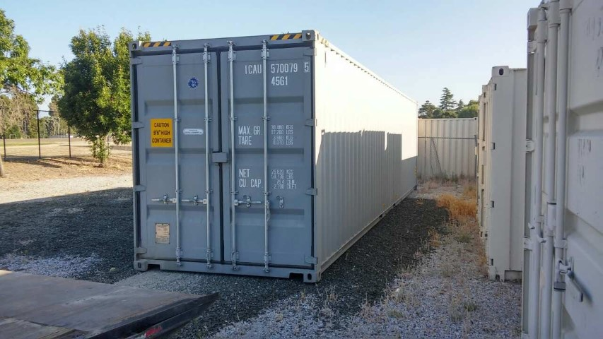 40' High cube w/ doors on both ends for rent