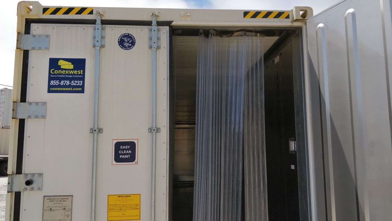 New 40 ft refrigerated container interior