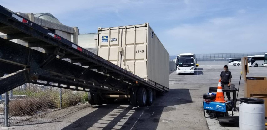 Storage container rental slide off delivery in San Francisco